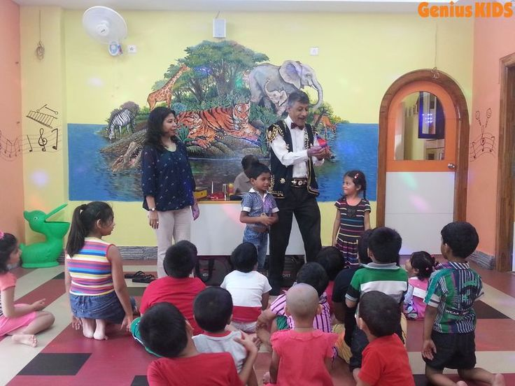 Montessori training institute in Kolkata like Genius Kids helps children to learn songs, dance and recite rhymes. Genius Kids even encourages children to play different roles in stories they listen.
