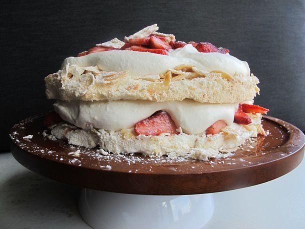 Recipe: Strawberries and Cream Pavlova #dessert