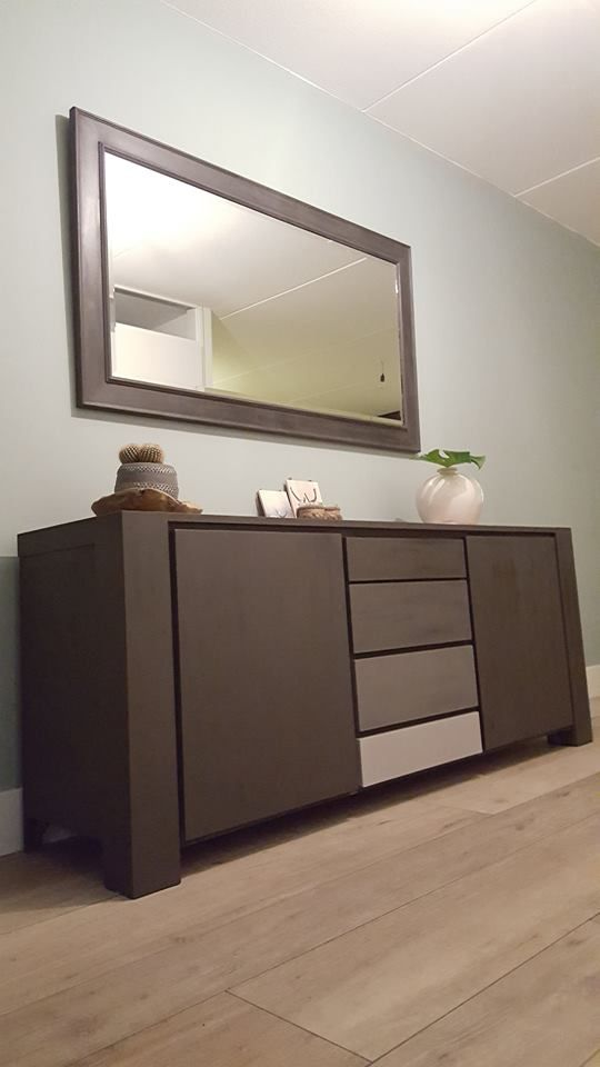 25 beste idee n over dressoir spiegel op pinterest slaapkamer dressoirs slaapkamer dressoir - Dressoir met spiegel ...