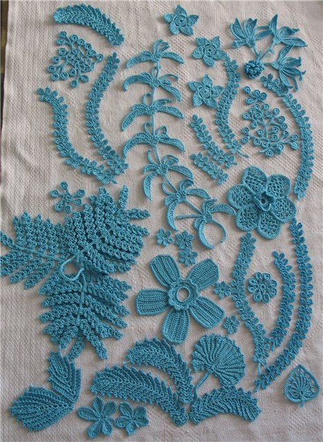Crochet flowers & leaves (free charts.....unfortunately not in English. Could try to translate in Google) Beautiful work just the same!