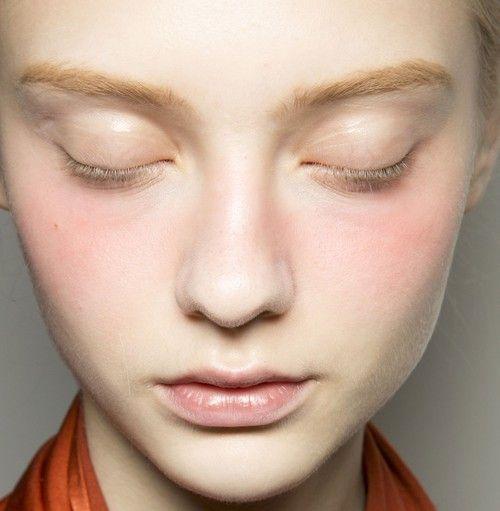 natural makeup model: Nastya Kusakina