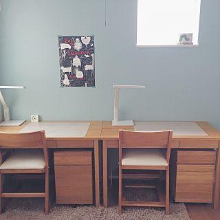 「子供部屋 壁紙 北欧 シンプル 無印机」の画像検索結果