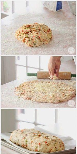 pizzabrot mmm sieht das lecker aus pizzateig machen oder. Black Bedroom Furniture Sets. Home Design Ideas