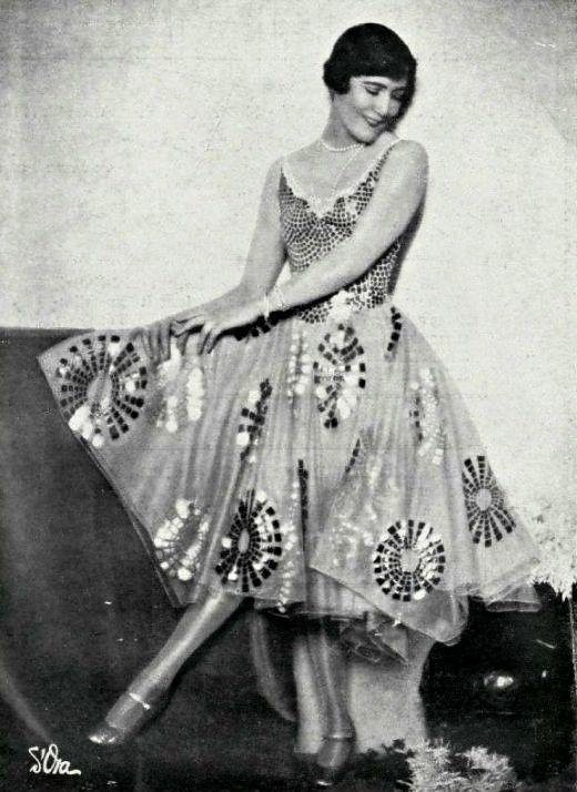 Miss Marjorie Moss, 1927 - Robe par Worth.