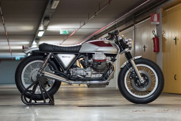 Quattrotempi: A sublime Moto Guzzi 1000 SP customized by Officine Rossopuro. Bit sleek for me but beautifully done and the tank/seat line is very fine.