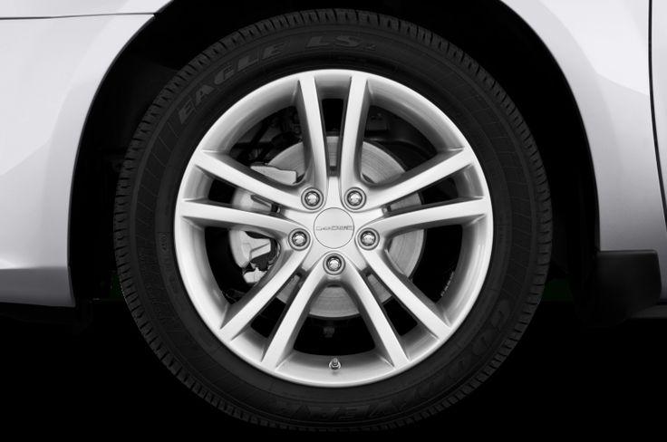2012 Dodge Avenger Tires