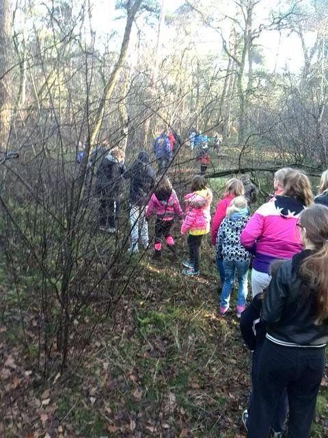 In de winter op vakantie met een groep kids... een speurtocht door NationaalPark de Loonse en Drunense Duinen... Middagje schaatsen op de Ireen Wustbaan, middagje zwemmen en afsluiten met warme chocolademelk of een winterbbq. Ook in de winter valt er genoeg te beleven op kamp. www.suikerberg.nl #kamplocatie #jeugdkamp #groepsverblijf #groepshuis #groepsaccommodatie #loonseendrunenseduinen
