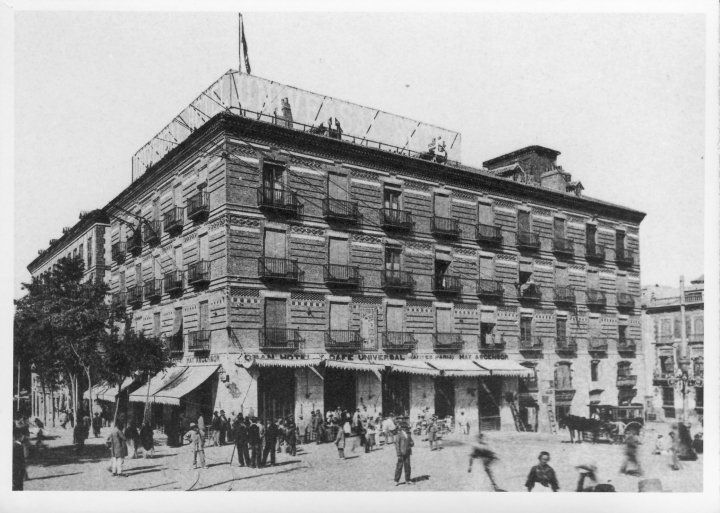 Hotel Victoria. Plaza Martínez Tornel