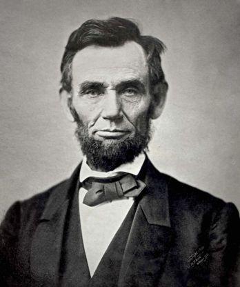 Abraham Lincoln(1809-1865) var USA's 16. præsident. Var præsident under borgerkrigen som gik fra 1861-1865. Anses for at være en af de største præsidenter, USA nogensinde har haft.