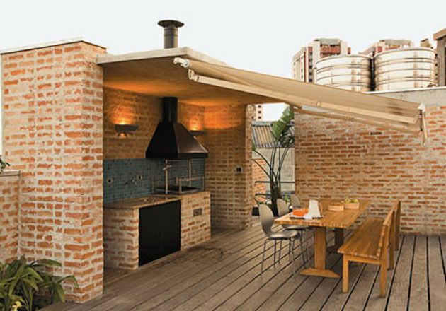 Outdoor kitchen. This would be my mom's ideal outdoor kitchen!