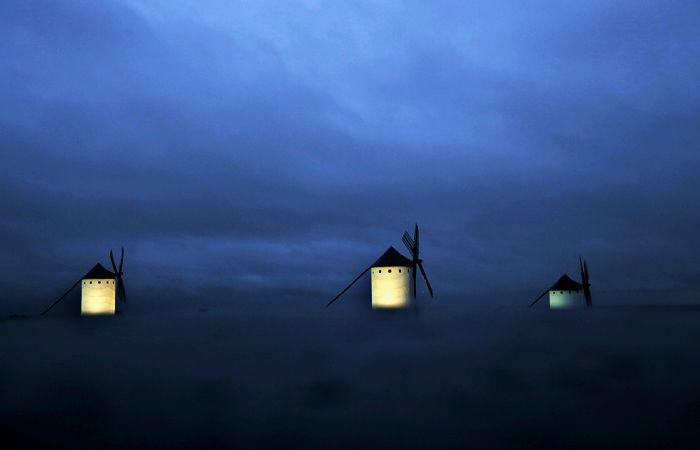 Ветряные мельницы в Кампо-де-Криптана. Испания.