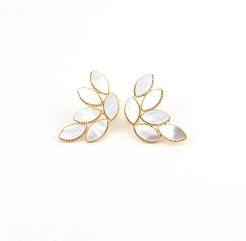 Lover's Tempo Shell Leaves Earrings - White