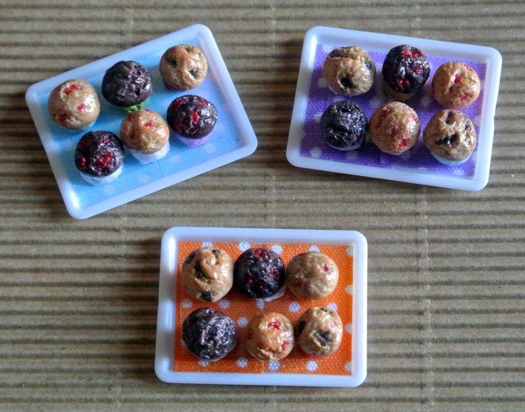 Cibo in miniatura - Vassoio di Muffin in scala 1:12 - Dollhouse di Mazumaja su Etsy