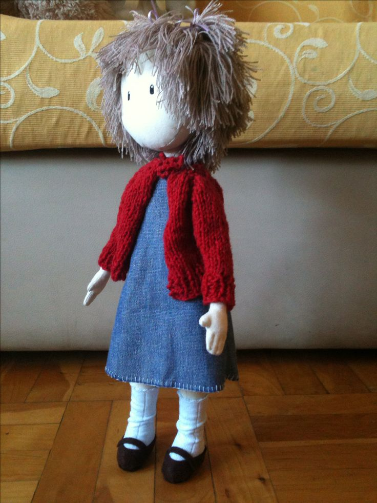 I did it with cotton and wool...and the hair is similar as I used it when girl ☺