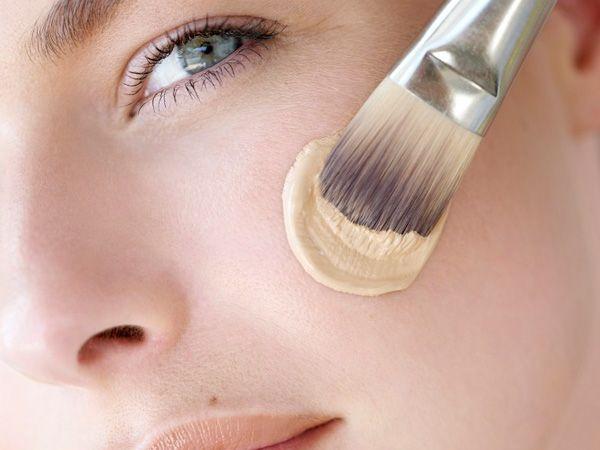 Ihre Haut strahlt nicht mehr wie früher? Die Poren werden größer? Dagegen kann man etwas tun!Das Problem kennen viele. Mit den Jahren
