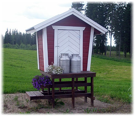 A roadside milk hut in Finland. I remember my grandparents & uncle having one of these, their milk waiting for collection. This was before stringent EU regulations. My cousins never got sick from the farm milk & are far healthier than I am, I think. Oh, well. Memories!