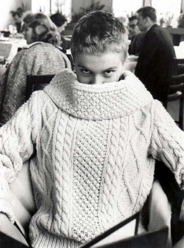 I've always loved this photo of Jean Seberg. Someday I will make this sweater.