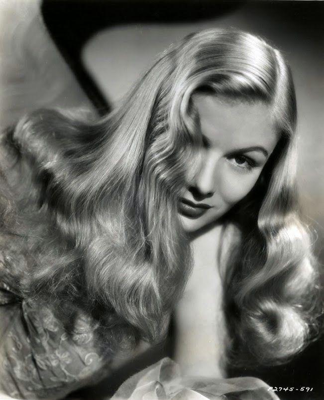 Veronica Lake y su  larga y ondulada melena #Años40 #peinados