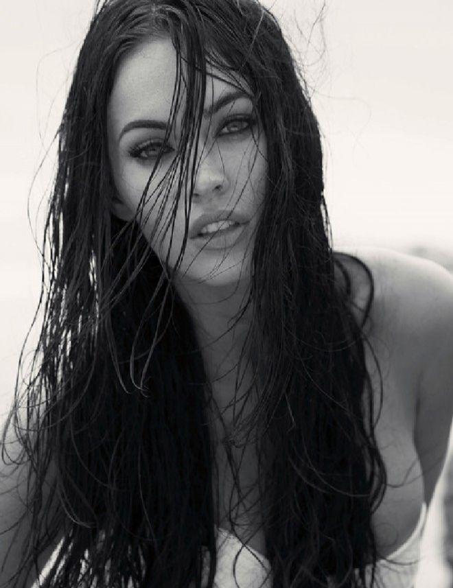 Bu İnsansa Ben Neyim? Dedirtecek 18 Seksi Megan Fox Fotoğrafı