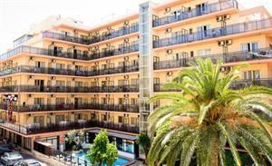 Spanje Costa Blanca Benidorm  Hotel Camposol heeft een centrale ligging in Benidorm en telt ongeveer 130 kamers die verdeeld zijn over 6 verdiepingen. Behalve de korte loopafstanden naar het centrum en de stranden heeft het...  EUR 230.00  Meer informatie  #vakantie http://vakantienaar.eu - http://facebook.com/vakantienaar.eu - https://start.me/p/VRobeo/vakantie-pagina
