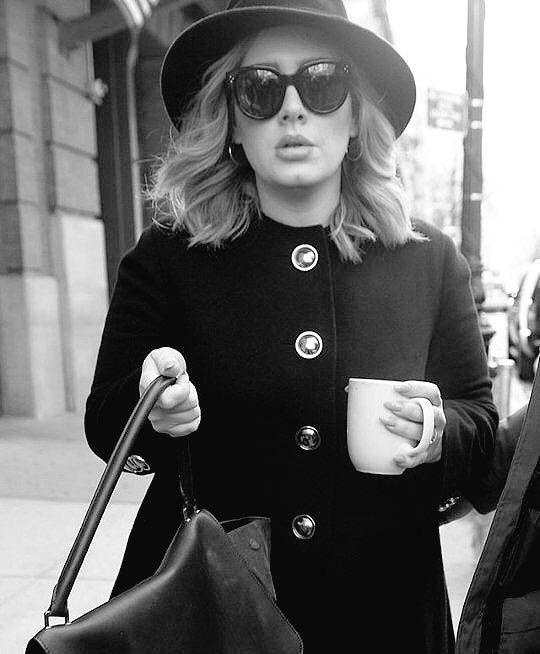 Adele                                                                                                                                                     Más
