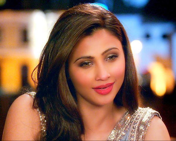 Daisy Shah in Jai Ho Movie