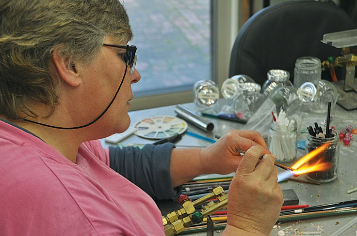 Jacquie-Campbell - Glass Artist in her Studio