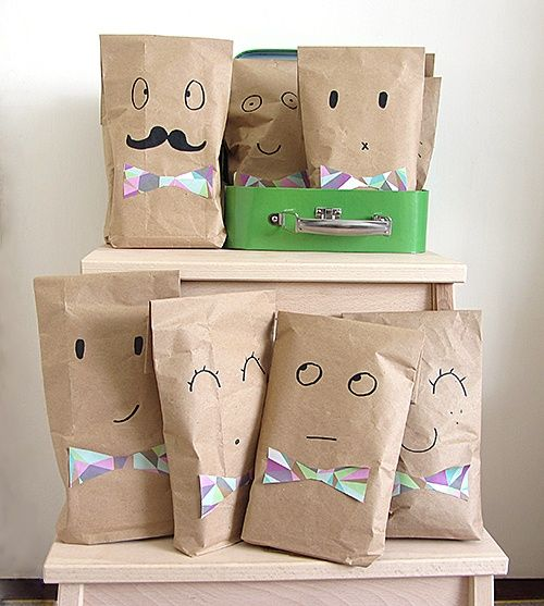 Upcycled brown paper party bags by Raphaele | Project | Papercraft / Kids & Baby | Kollabora #diy #kollabora #paper #craft #kids