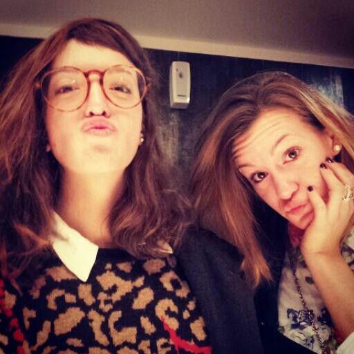 Brenda con su hermana