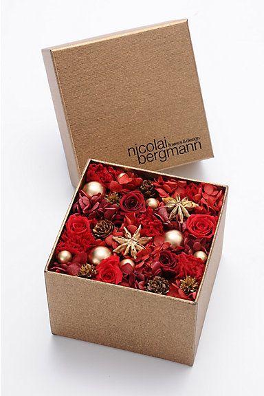 ニコライバーグマン 2014年クリスマス限定ブリザードフラワー/ Floral arrangement for Christmas on ShopStyle