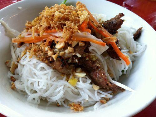 Quán Cơm Tấm, Bún Thịt Nướng, Bò Kho - 32 Tân Vĩnh, P. 6, Quận 4, TP. HCM