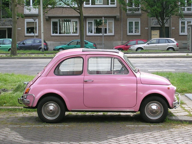 old fiat 500 in pink