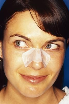 How to Get Rid of Blackheads on Your Nose Without Leaving Holes