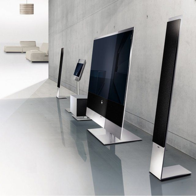 Reference 52 Flat TV by Loewe $2300