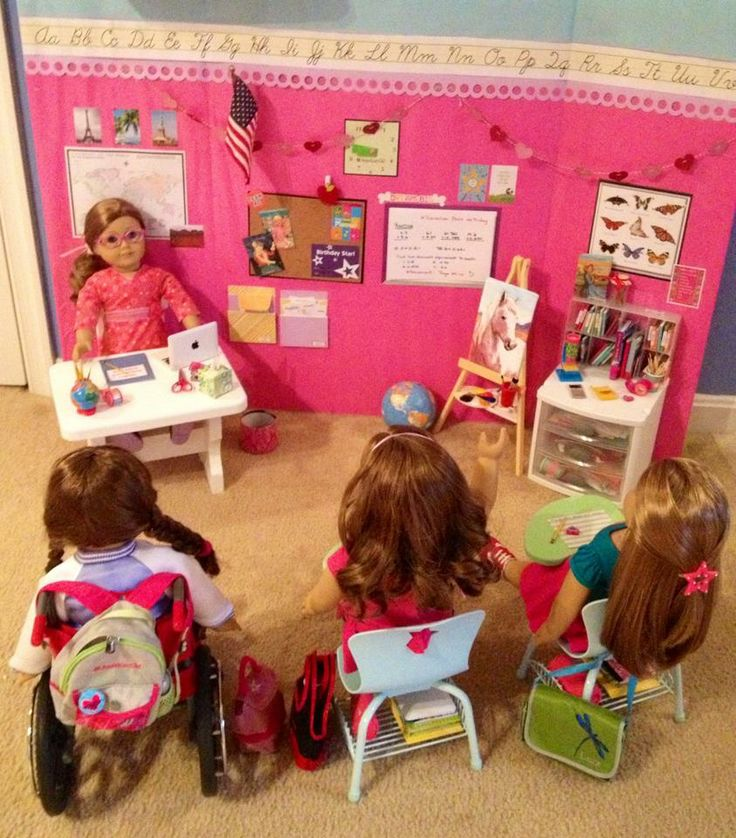 American Girl Doll Play: Reader Spotlight - Shelia Badillo's School Set-Up