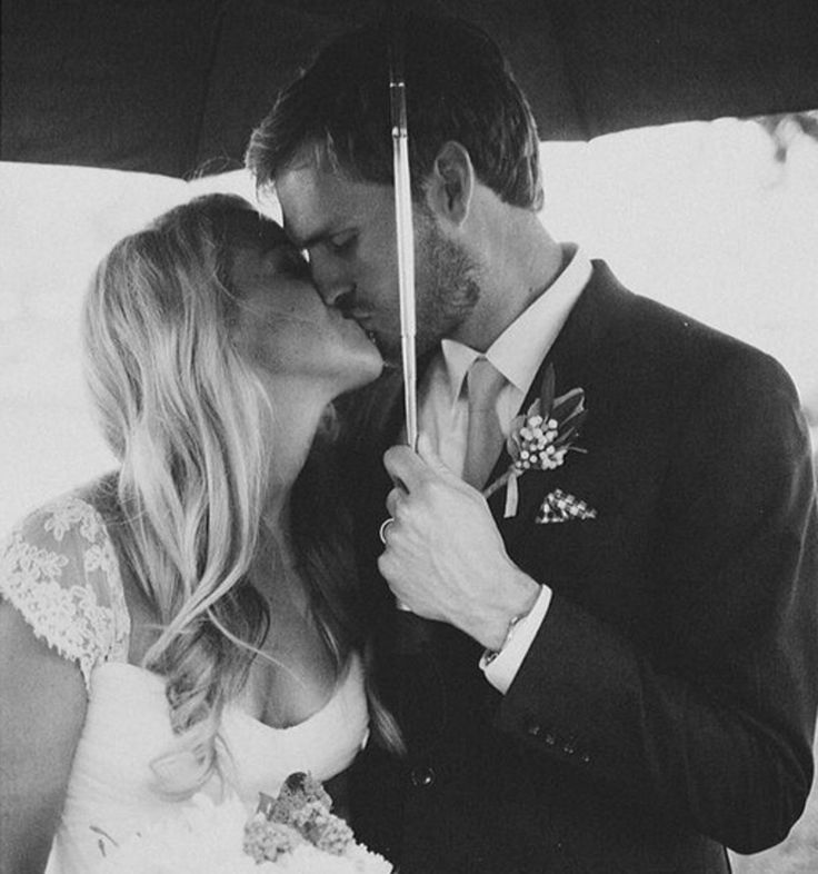 10 Wet-Weather Pictures That Will Make You Wish for Rain on Your Wedding Day