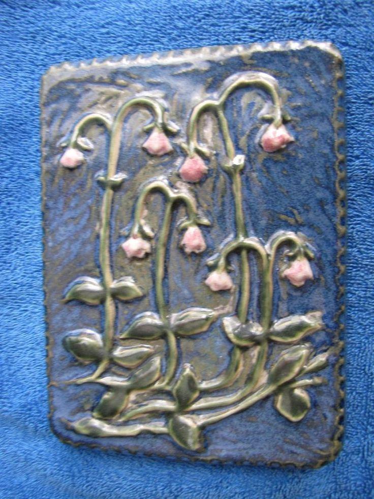 VINTAGE SWEDEN WALL PLAQUE tile EGO Stengods Studio Art Lidkoping Flowers blue & 102 best PLAQUES Antique u0026 Vintage - Home Decor images on Pinterest ...