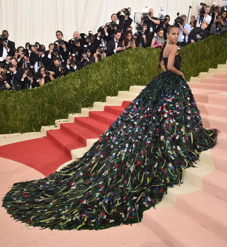 We can't get over Zoe Saldana's peacock dress at the Met Gala.