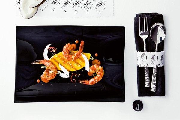 Thajské grilované mango s karí s krevetami https://plus.google.com/u/0/114937439543903227282/posts/KLXGj8TK5uL Servírováno na černém skle Cera Black