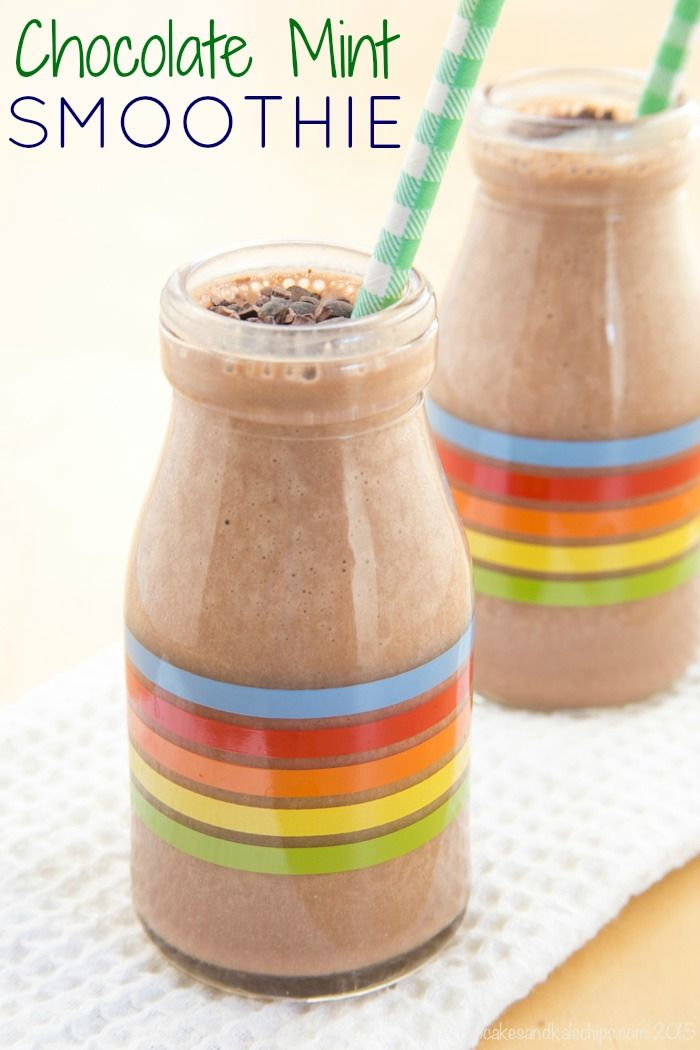 Chocolate Mint Smoothie - satisfy your sweet tooth and chocolate cravings in a minty fresh and healthy way! | cupcakesandkalechips.com | gluten free