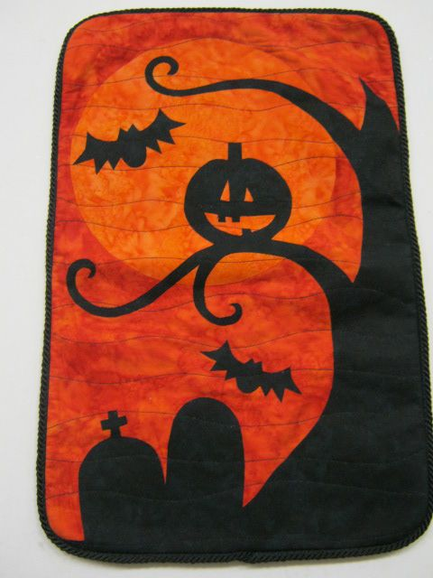 Hallow's Eve Wall Hanging spotted at the Craftin' Cow (Florida)