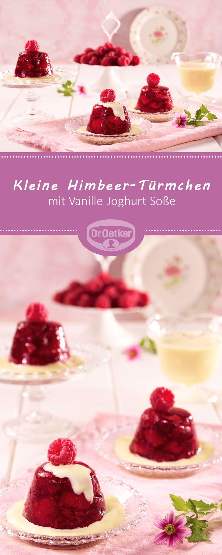 Jetzt passend zu der Pantone Trendfarbe Spring Crocus: Kleine Himbeer-Türmchen mit Vanille-Joghurt-Soße - Himbeeren mit vegetarischem Geliermittel mit Vanille-Joghurt-Soße