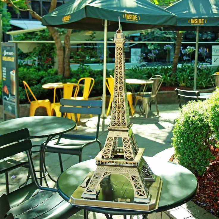 La torre Eiffel en #parquearauco Puzzle 3D promovido por #cubicfunclub disponibles en #pilgrimtravelstore #hogarboulevard #queleodominicos #panicoediciones #que_leopdv #arme3d