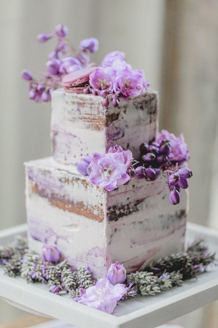 Französische Hochzeitsinspiration in Lila   – Hochzeitstorten