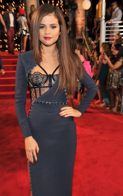 Celeb Diary: Selena Gomez @ 2013 MTV Video Music Awards