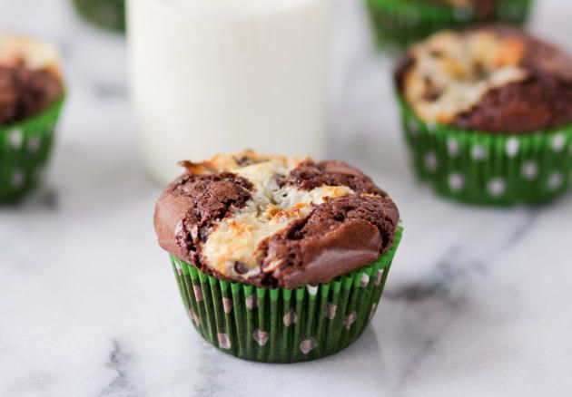 Cream Cheese Brownie Cupcakes are made with no frosting. Perfect for people who don't love frosting!