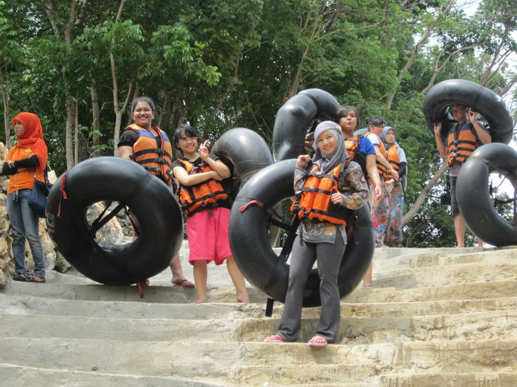 Preparing adventuring on Cave Tubing Pindul