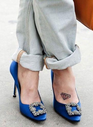manolo blahnik blue carrie shoes manolo