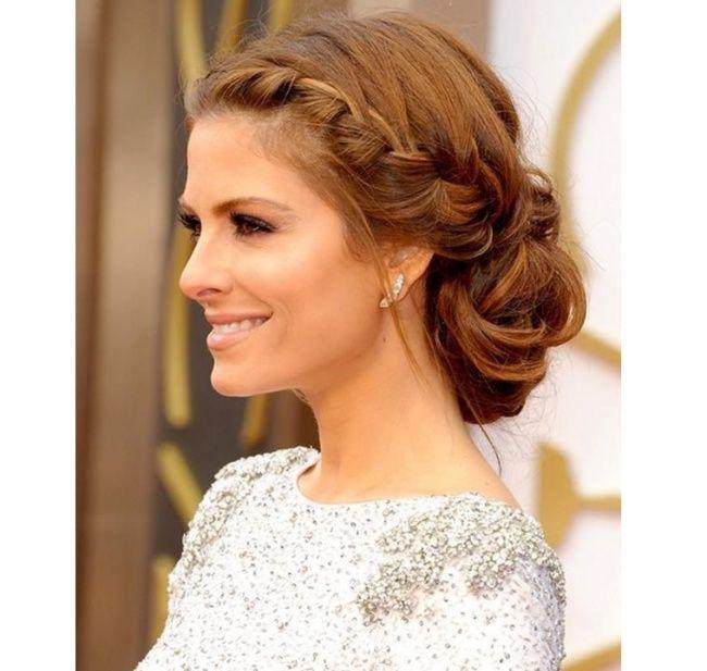 Eleganckie i dziewczęce fryzury z warkoczem idealne na sylwestrową imprezę.