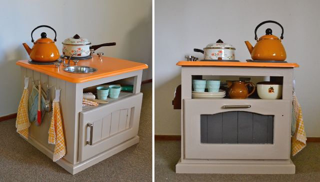 Homemade kitchen from bedside tableCrafts Ideas, Kids Stuff, Diy Plays, Dramatic Plays, End Tables, Bedside Tables, Plays Kitchens, Kids Kitchens, Play Kitchens